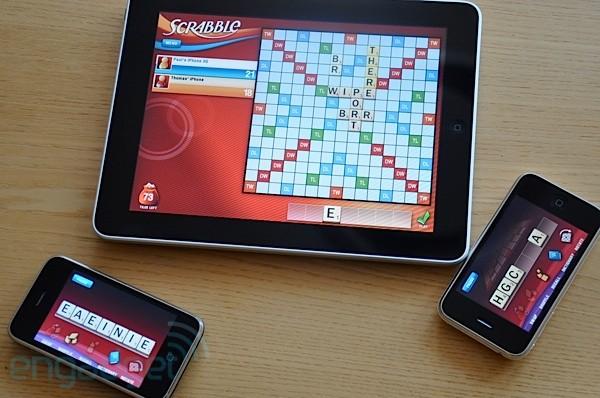 Scrabble для iPad. Приобретаем еще пару iPhone, и это лучшая $1000, потраченная нами всего лишь на настольную игру!