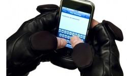 Специальные перчатки для iPhone
