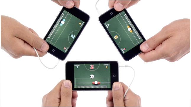 В новой рекламе iPod touch демонстрируется многопользовательский режим игры Peer-to-Peer