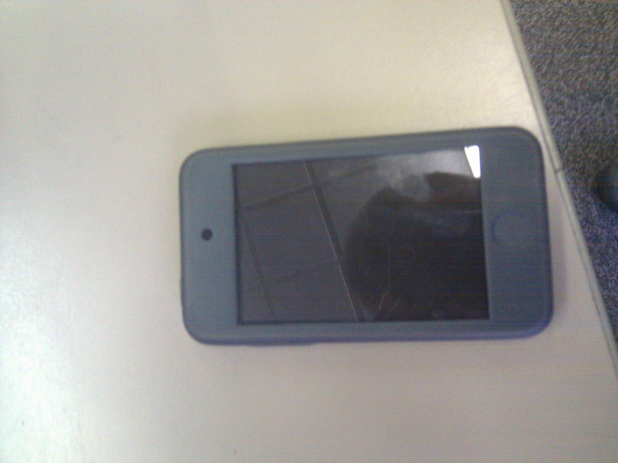 iPod touch 4G Hello